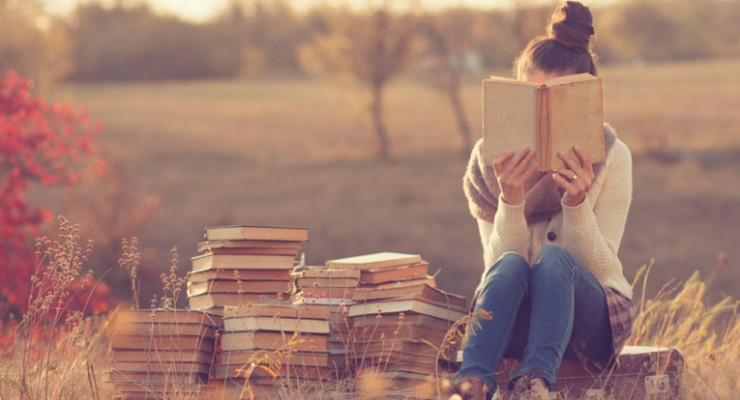 10 Freaking Awesome Gifts for YA Book Lovers (that you might just keep for yourself)